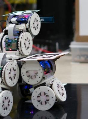 Модульные роботы смогут объединяться в крупные конструкции (+видео)