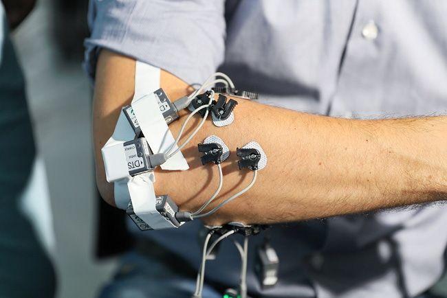 В новом протезе руки применили усовершенствованные алгоритмы автоматизации