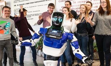 Первый робот-ректор: промобот в Самарском политехе