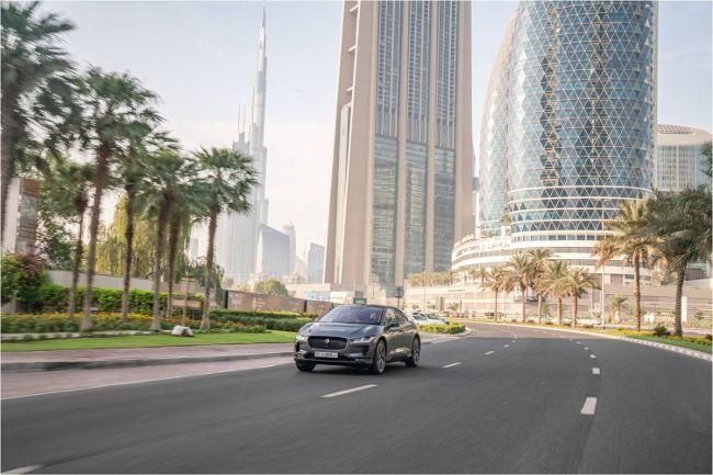 Прототип беспилотного Jaguar I-PACE представлен на Всемирном конгрессе автономного транспорта в Дубае
