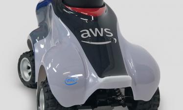 Гонки AWS DeepRacer League расширяются, добавлена новая модель Evo