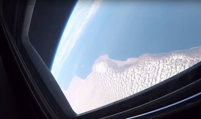 Компания Boeing показала первое полетное видео из кабины космического корабля Starliner