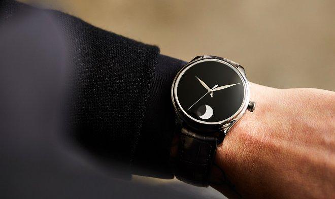 H.Moser & Cie разработала часы с Vantablack – самым черным материалом на Земле