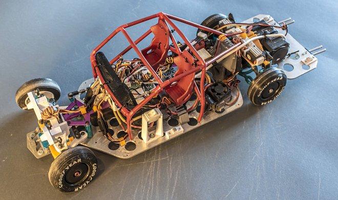 Игрушечный автомобильчик оснастили умной подвеской, и теперь он дрифтит как настоящий
