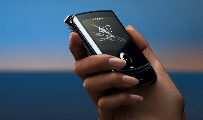 Motorola рассказала, как обращаться с ее гибким смартфоном Razr
