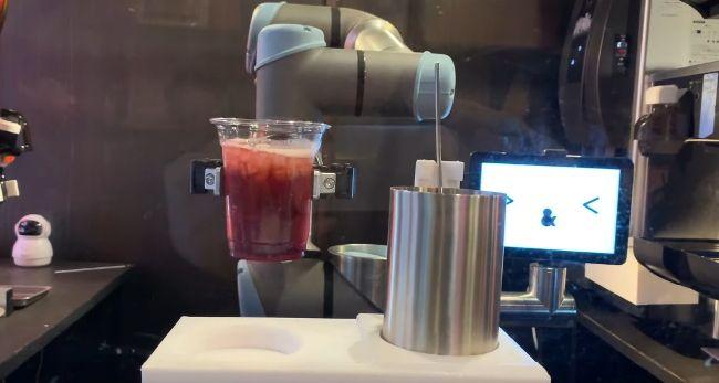 Первый робот-бармен в Японии начнет работать в токийском пабе
