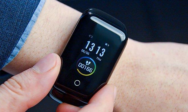 Wristbuds: умные часы и беспроводные наушники в одном гаджете